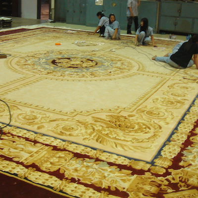 inspection-finishing-bespoke-carpet